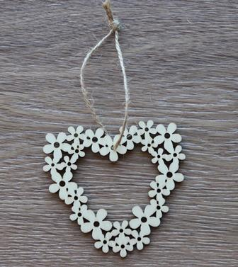 Wood Wreath Heart Whanger 10 Pc Wood Mothers Product Detail
